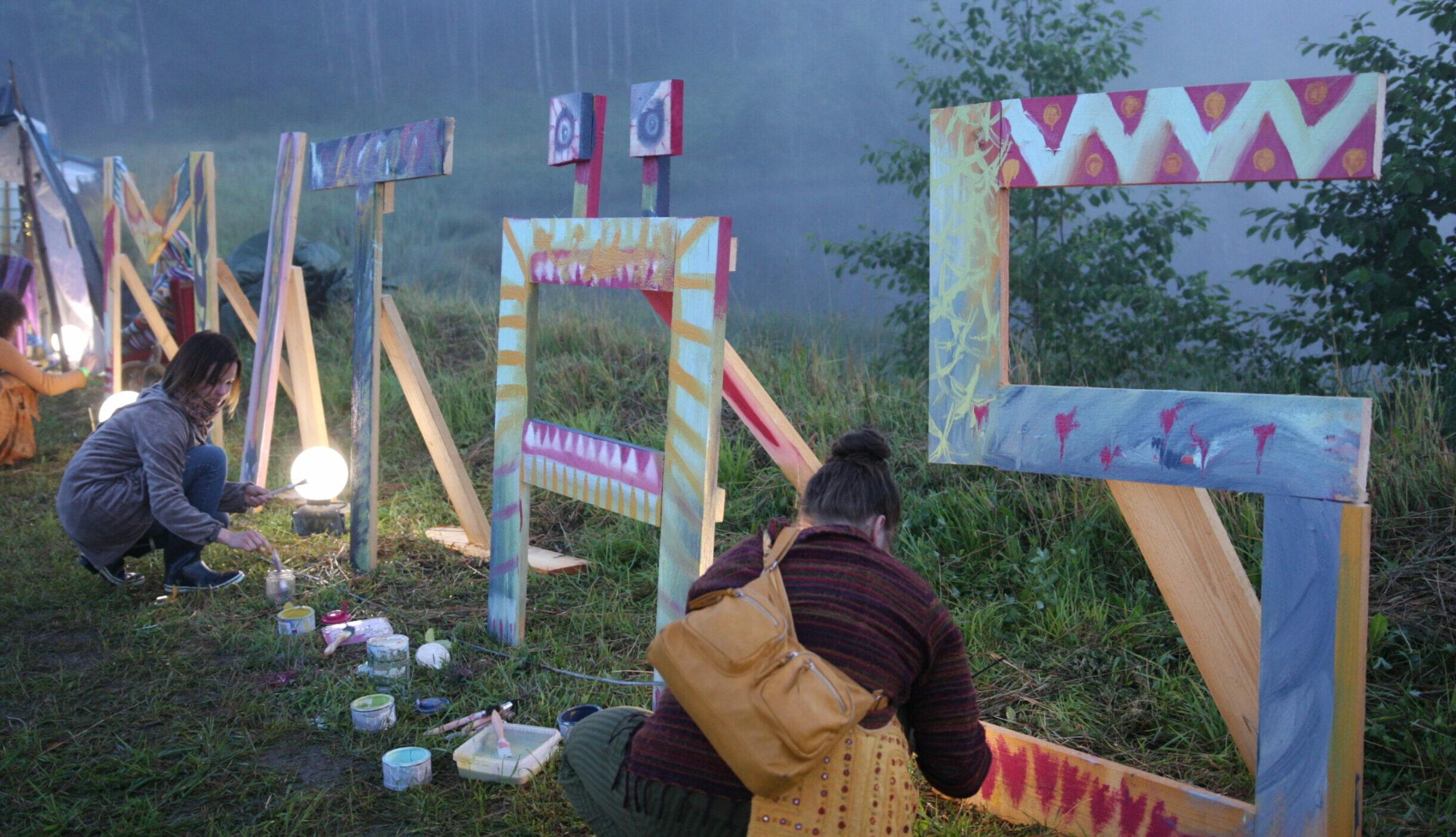 Kävijöiden omat työpajat ja esitykset, performatiivinen smoothie-baari ja ennustajan temppeli – Mitäksillä saa osallistua
